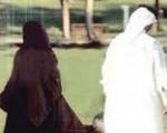 Её муж не молится и отказывается развестись, пока она не отдаст ему дочь